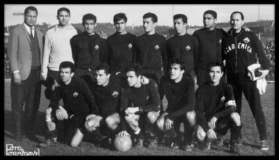 Artur Jorge é o 3º jogador em baixo da Académica de Coimbra