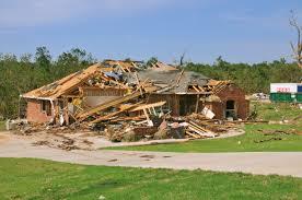 Danos de um tornado